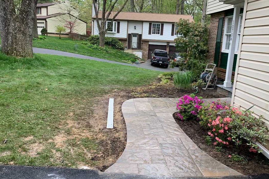 Front yard walkway to entrance